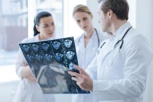 Стоматология хирургическая - картинка